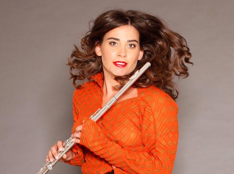 Ana de la Vega, flute