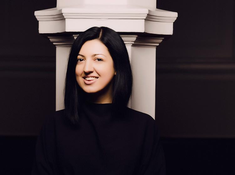 Alexandra Dariescu. Photo by Marco Borggreve