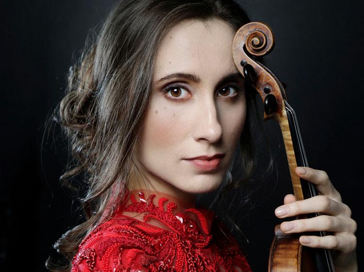 Jennifer Pike. Photo by Arno