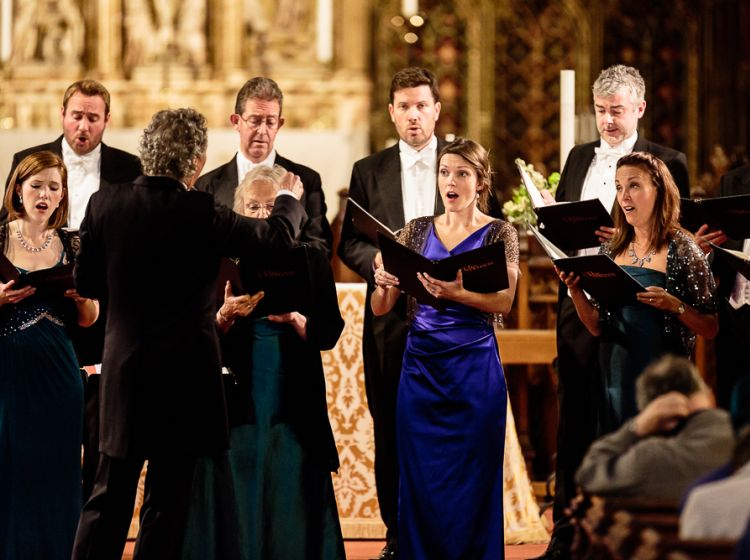 The Sixteen with conductor Harry Christophers (c) Jay Price